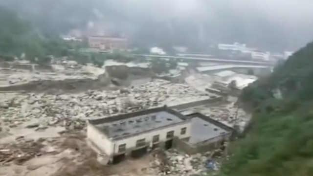 汶川泥石流已致4人遇难11人失联