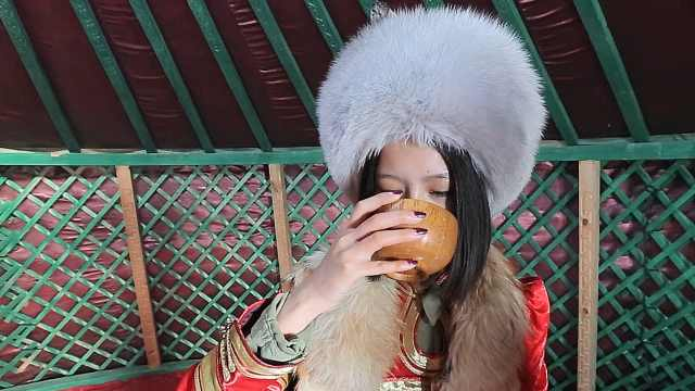 在呼伦贝尔饮上一杯蒙古奶茶