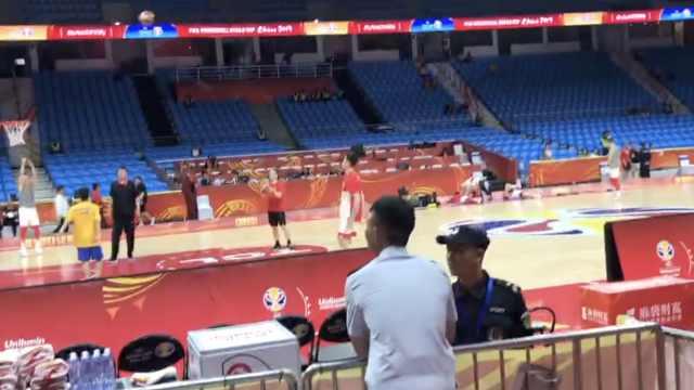 直击现场!中国男篮PK韩国冲击奥运