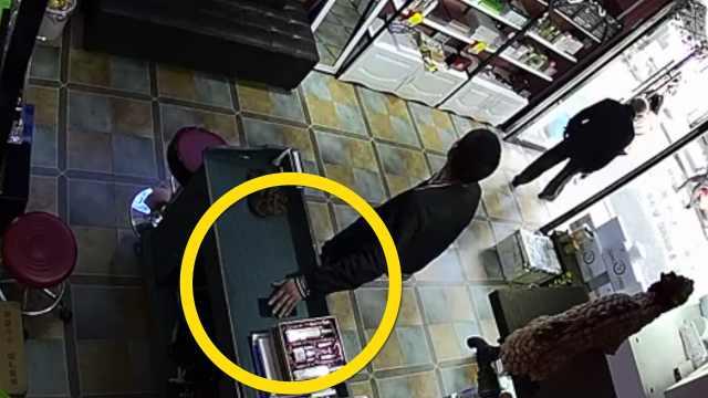 他偷了6000元手机,网吧600卖给邻座