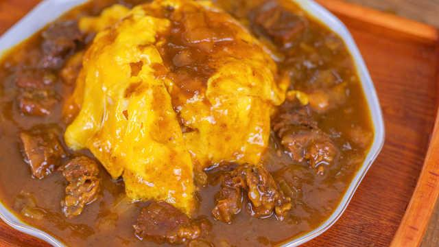 黑椒咖喱牛腩盖蛋饭,好吃到舔盘子