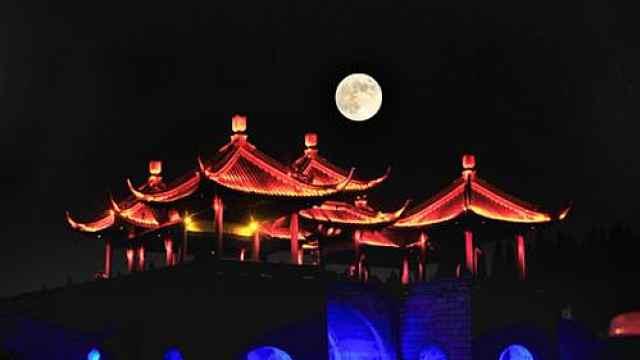 中秋一课:深秋低回时,李白望明月
