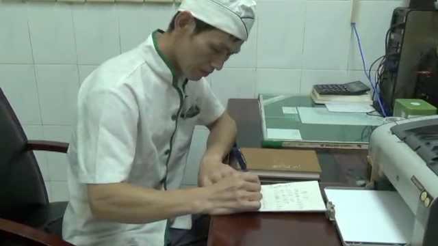 高校厨师写千首诗歌,刷屏食堂窗口