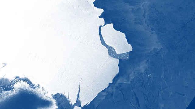南极冰架断裂,悉尼大小的冰山滑落
