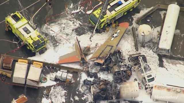 美一架B-17轰炸机坠毁,致7人死亡