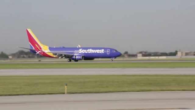 有裂缝!西南航空停飞2架波音737NG