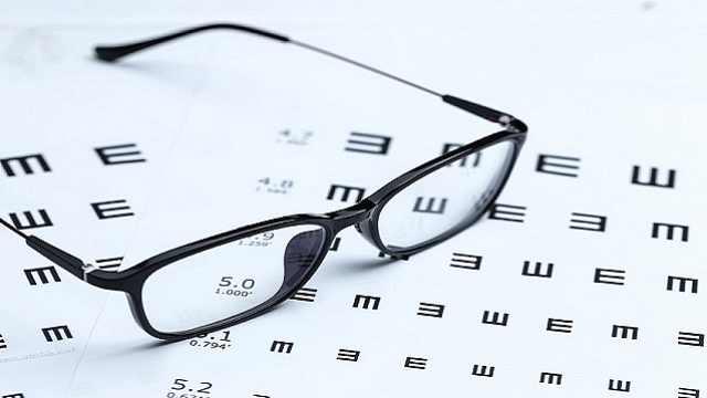 你真的需要一副防蓝光眼镜?