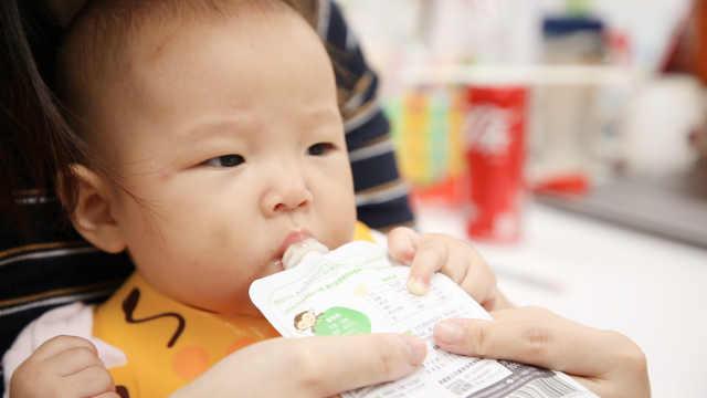宝宝过早喝果汁的四大危害!
