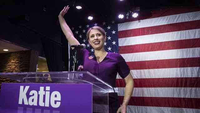 涉嫌不正当性关系,美国女议员辞职