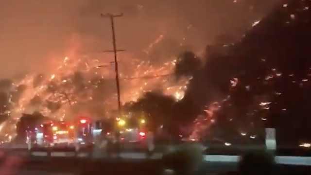 加州山火现场曝光!烈火冲天如地狱
