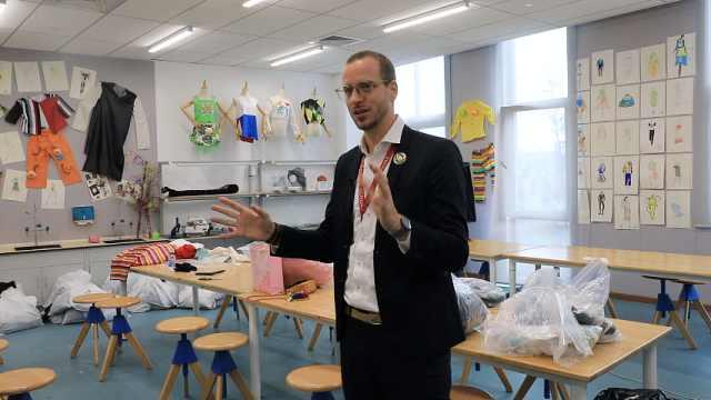 法国博士不教大学教娃娃:孩子热情