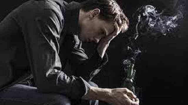 科學家:吸煙者患抑郁癥風險或翻倍