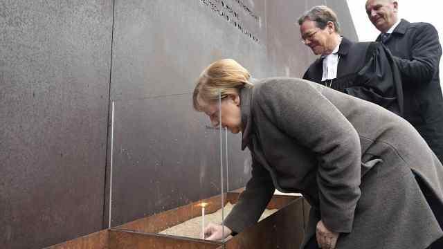 柏林墙倒塌30周年,默克尔发表讲话