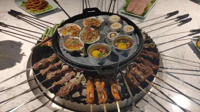 西北人冬季时令美食,围火炉吃烧烤