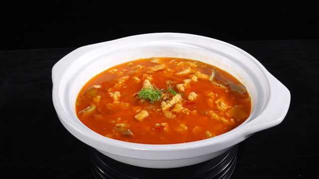 石首酥肉火锅:腊肉加高汤酥肉更香