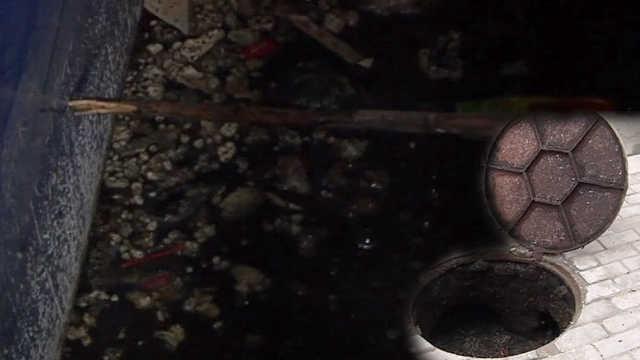 小区地下室被水浸泡5年,成粪水坑