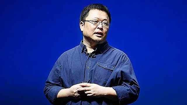 罗永浩再创业,叫卖是鲨纹儿童书包