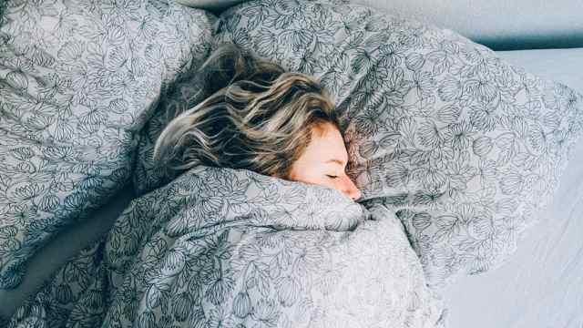 研究称冬天宜晚起,缩短工作时间