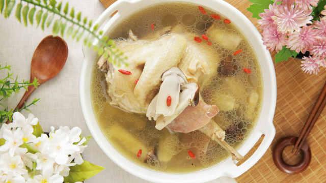 营养价值极高的姬松茸炖老母鸡