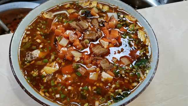 用一锅老汤做一碗面,传承20年不变