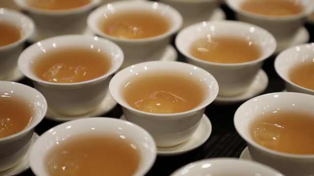 """大学生调出""""茶碗酒"""":年轻人喜欢"""