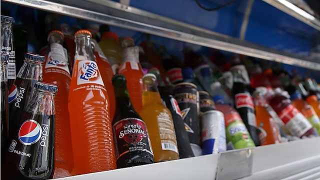 科普:为啥罐装可乐比瓶装更好喝?