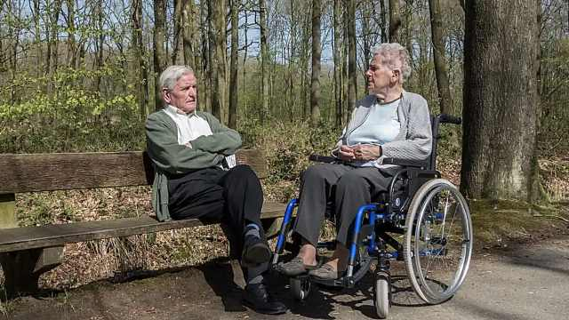 研究:富有的人健康预期寿命多9年