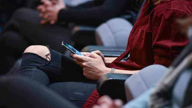 意法院裁定长期使用手机致头部肿瘤