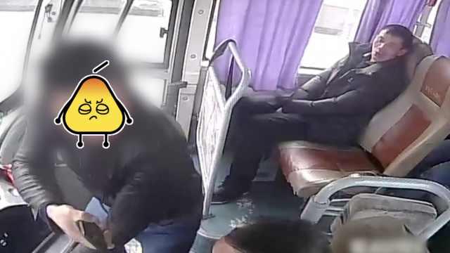 男子抢夺过江客车方向盘,称有艾滋