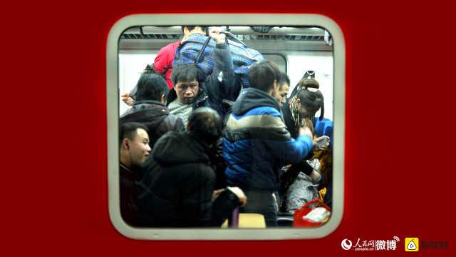 直播:最高峰!上海铁路日发旅客58万