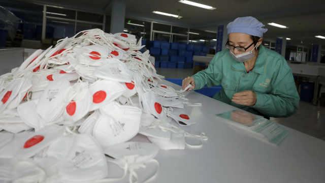 记者现场直击上海厂家口罩生产情况