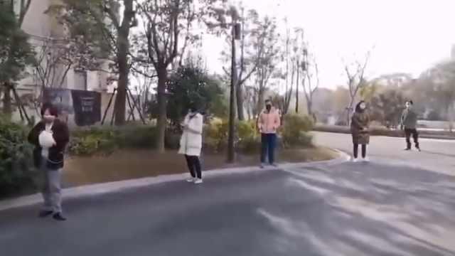 上海北欧式领口罩间隔2米:距离远点