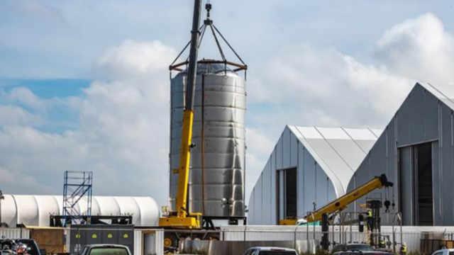 SpaceX星际飞船SN1原型周五爆炸