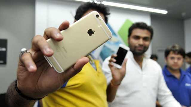 苹果因放慢老iPhone速度赔5亿美元