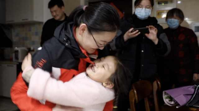 江苏援鄂护士回家孩子不消毒不给抱,丈夫:我每时每刻都想她