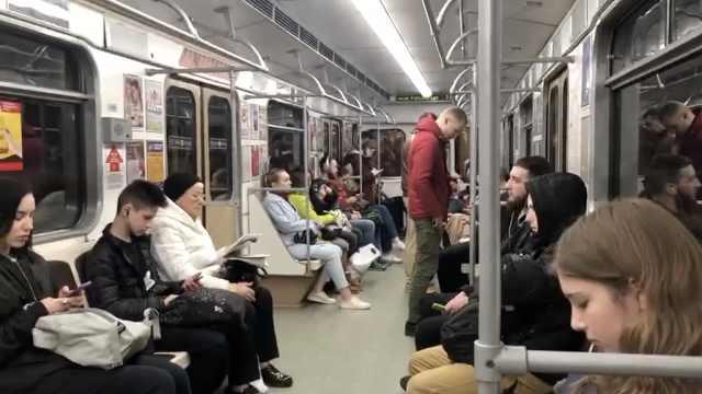 在他乡丨留学生在白俄罗斯:刚开始戴口罩被嫌弃,不回国添麻烦