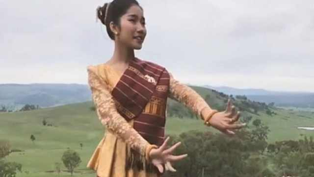 高颜值老挝小姐姐演绎老挝语版《多谢了》