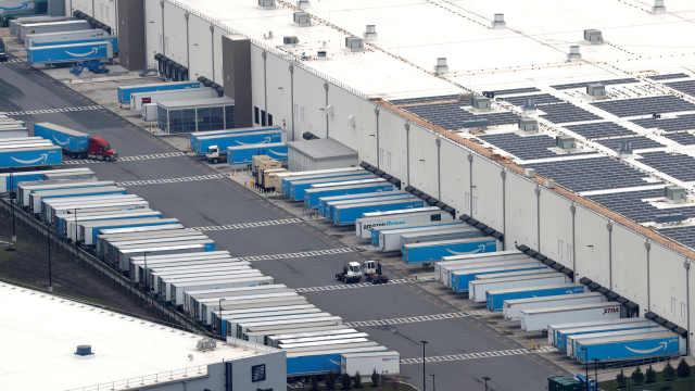 亚马逊一仓库工人第二次罢工,指责防护不够:这是血汗钱