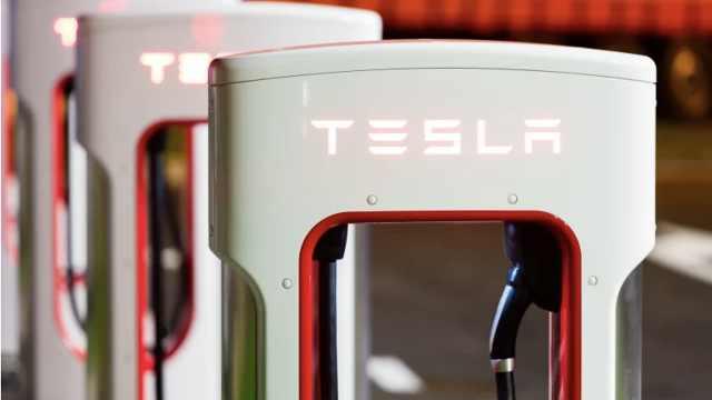 特斯拉成功申请4000次充放电专利,可使电池寿命达160万公里