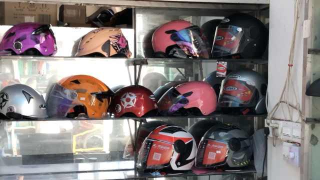 """""""一盔一带""""将实施,河南一头盔店销量猛增7倍:厂家已断货"""