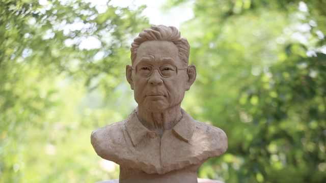 大叔用泥塑创作钟南山肖像:看到他逆行武汉照片,泪流满面