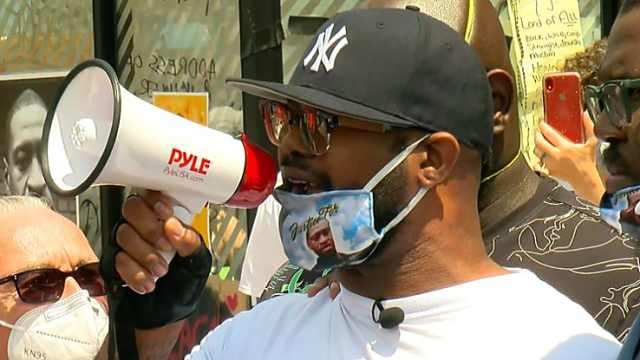 弗洛伊德弟弟呼吁和平抗议,质问暴乱者:你们都做了什么?