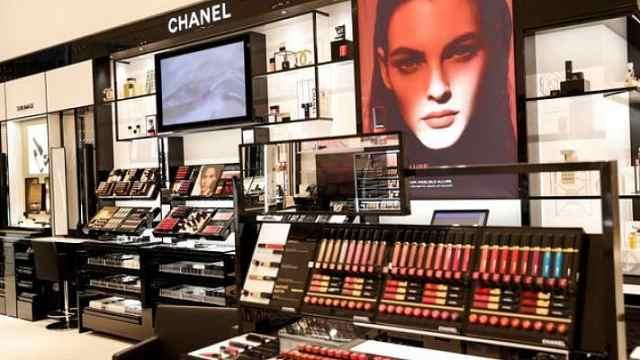 三大化妆品巨头部分产品弃用滑石粉,避免遭遇