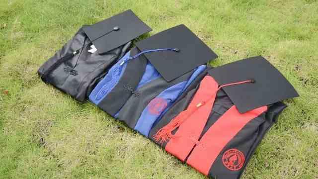 又是别人家的学校!广西大学赠送毕业生定制学