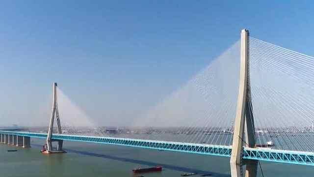 沪苏通长江公铁大桥、铁路正式开通
