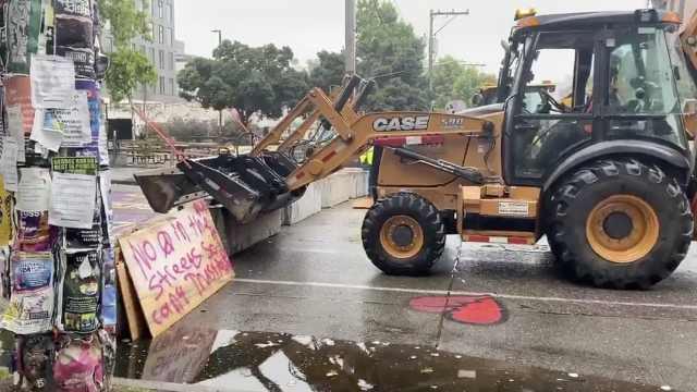 被抗议者骚扰到家门口,西雅图市长下令拆除自治区路障