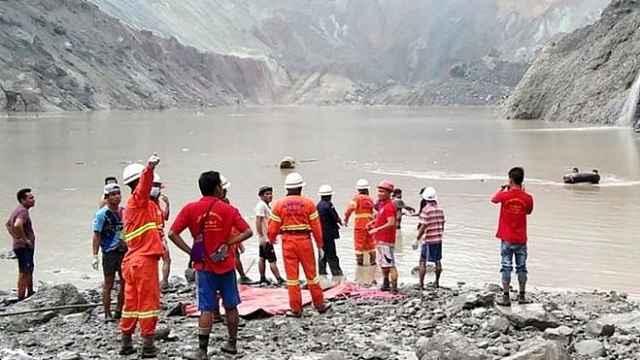 缅甸一翡翠矿区塌方约200人被埋,已找到113具遗