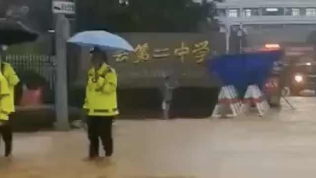 安徽歙县高考语文因暴雨取消,教育局:下午考