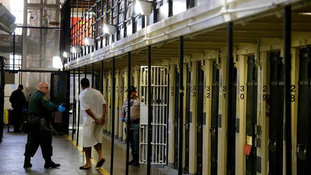 监狱系统近6000人感染!加州提前释放8000囚犯为阻