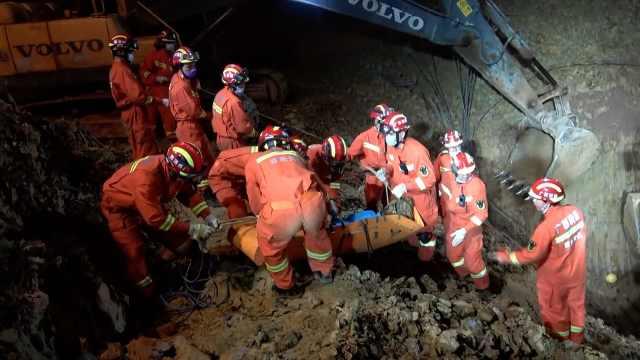 广西百色一在建工地塌方致4人被埋,其中3人遇难